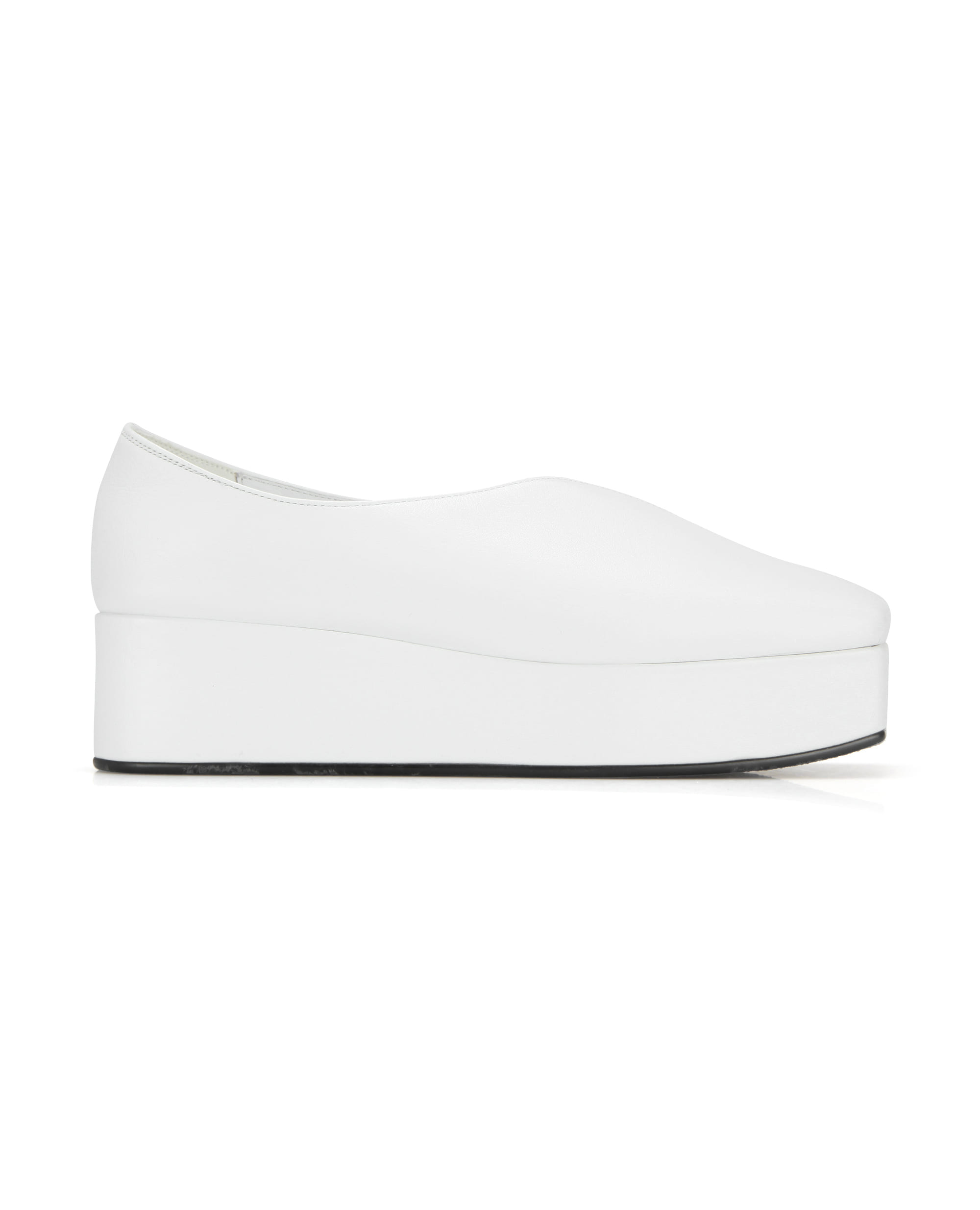 Streamlined Squared toe platforms | White